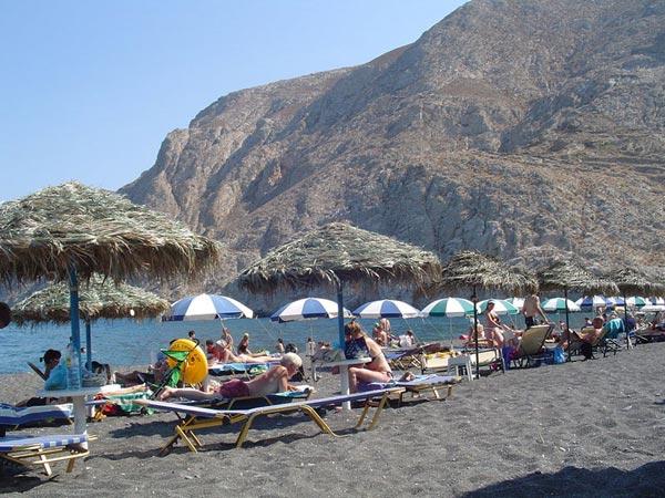Santorini beach pictures images and photos of santorini beaches